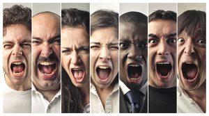 homes et femmes en colère